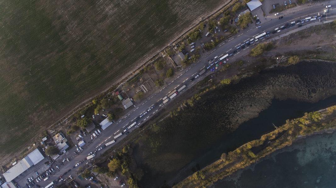 Frontière Kirghizstan Kazakhstan Camions Embouteillage
