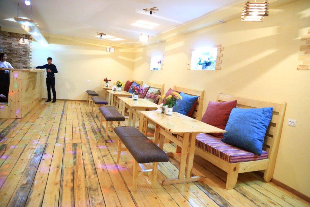Café Culturel Naryn Kirghizstan Jeunesse Etudiants Salon