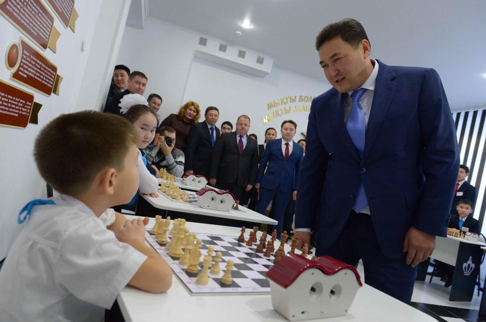 Echecs Sport Jeu Galijman Esenov Kazakhstan Fédération Président