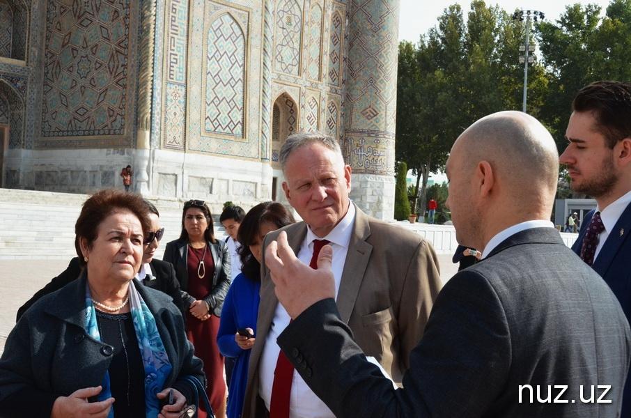 Günter Overfeld Ouzbékistan Samarcande Registan Visite Restauration