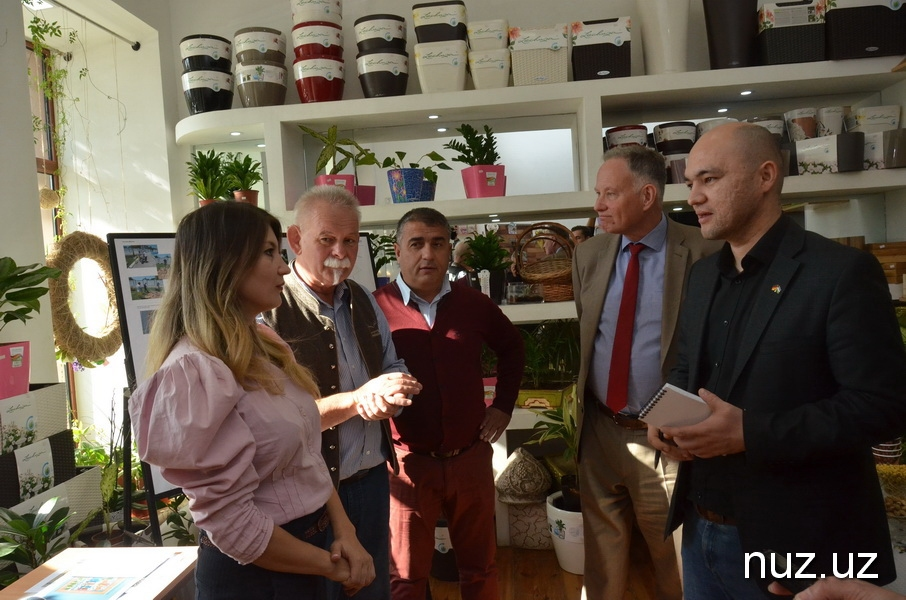 Günter Overfeld Ecole Visite Samarcande Ouzbékistan
