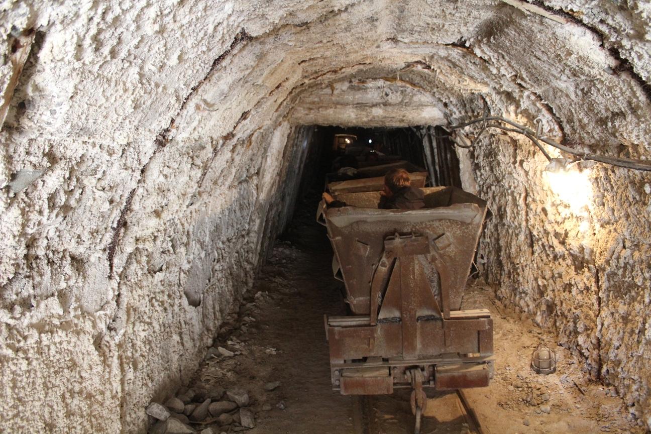 Restes Mine Sel Tchon-Touz Sanatorium
