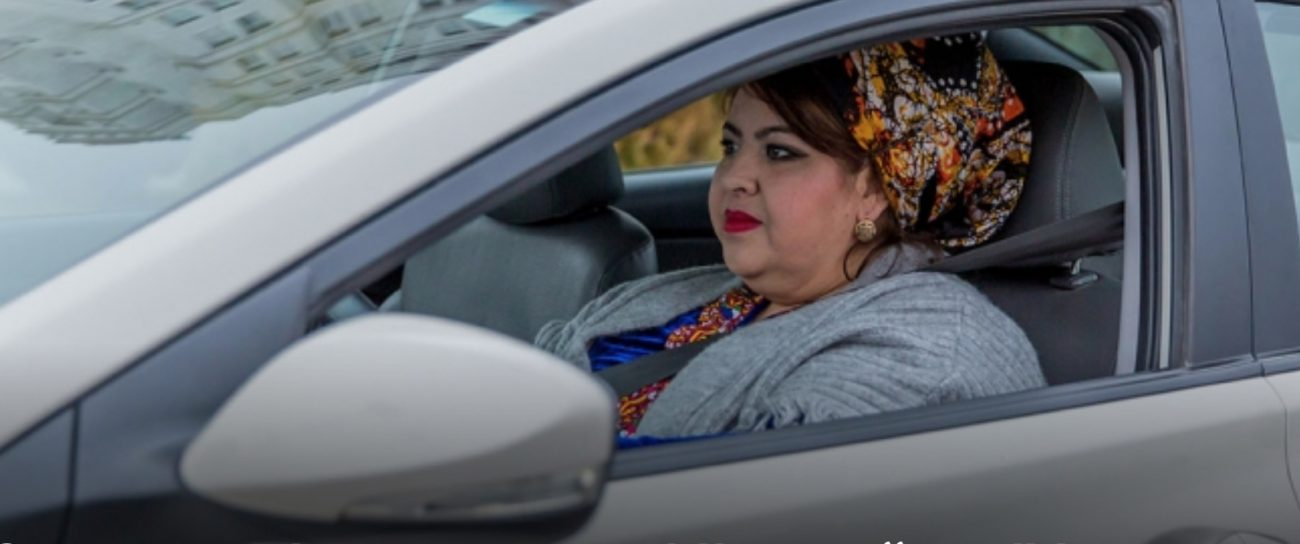 Femme voiture turkménistan