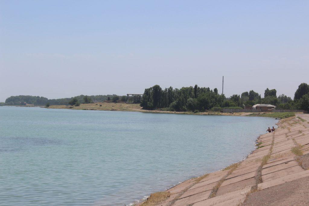 """réservoir de la """"mer de Tachkent"""""""