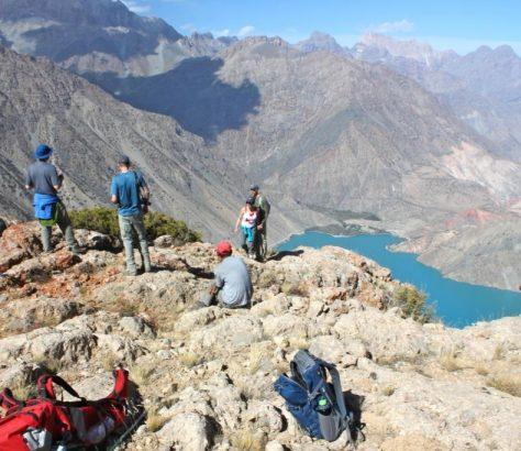 Tourisme Touristes Tadjikistan Montagne Vallée Lac
