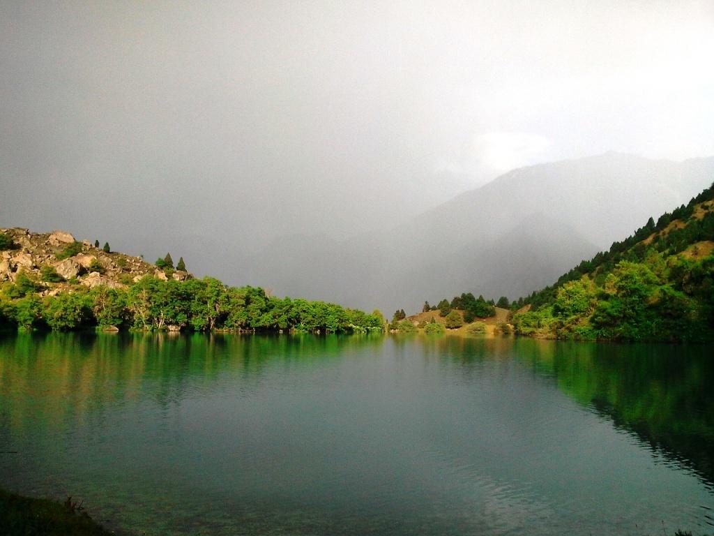 Tadjikistan lac de Timour-Dara brume