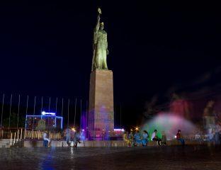 Ville de Khodjent Tadjikistan statue ville monument
