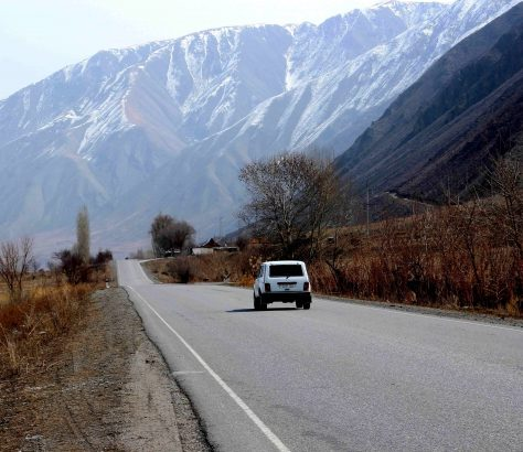 Lada Kirghizstan frontiére