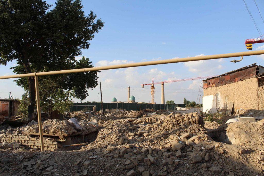 Des destruction de maisons dans le vieux Tachkent à côté de Hazrt Imam