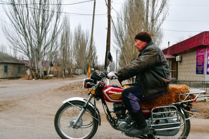 Jarkent Kazakhstan Ville Frontière Chine Moto Route