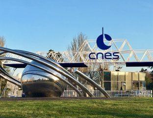 Entree CNES Toulouse Centre national d'études spatiales Ouzbékistan accord cadre