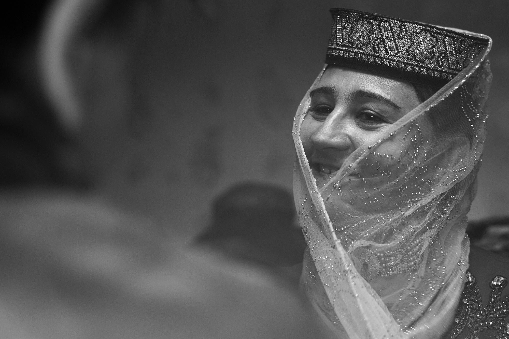 Xinjiang Région ouïghoure Maxime Crozet Identité Chine Tadjike Femme