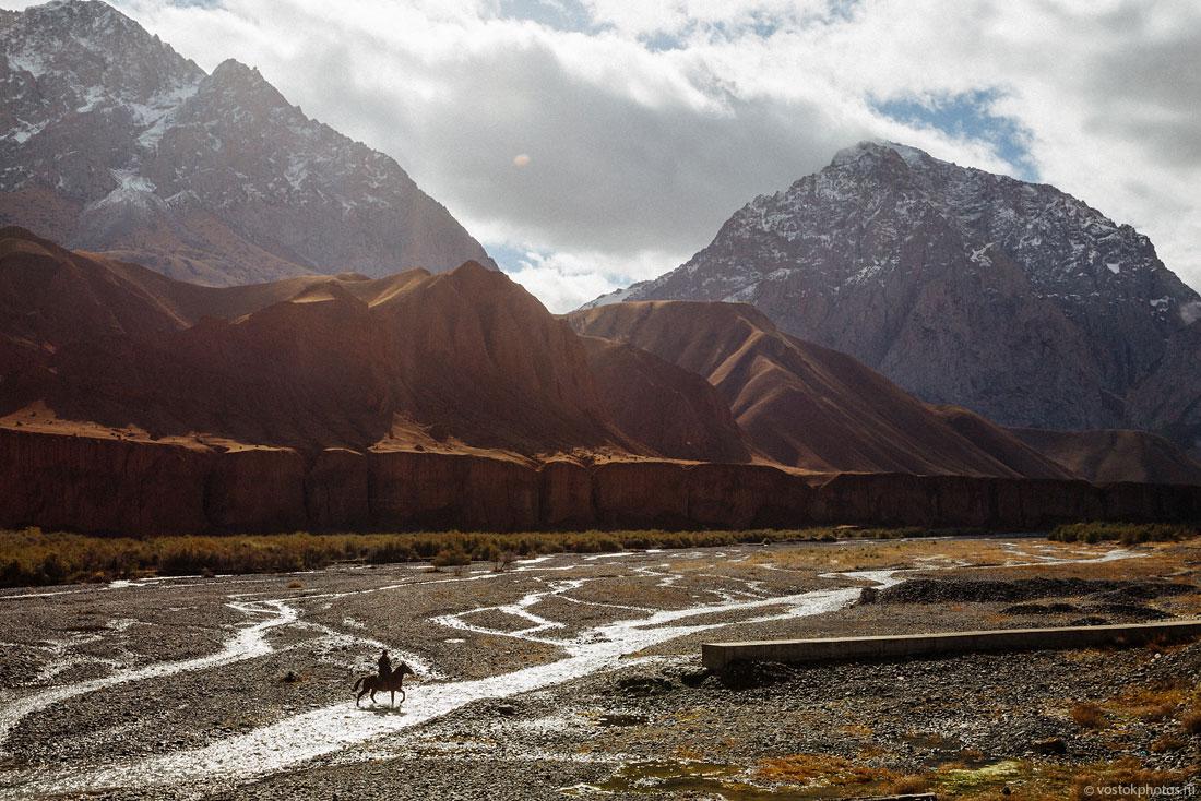 Kirghizstan Pamir Montagne Reportage Paysages Cavalier