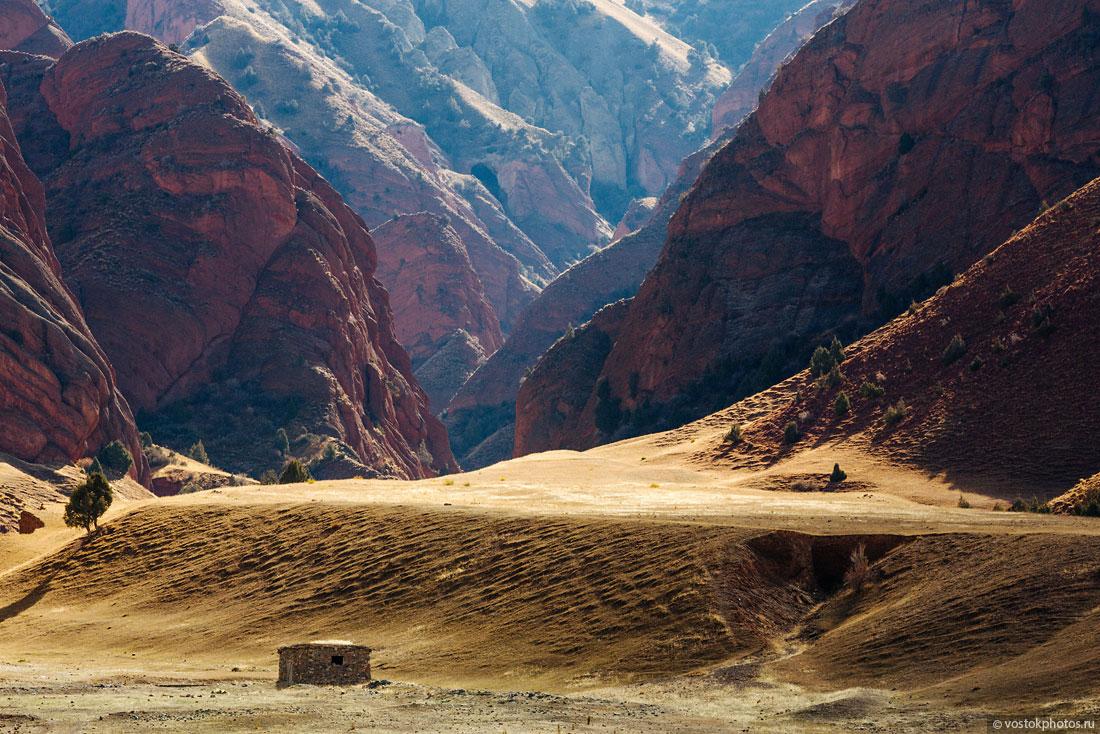 Kirghizstan Pamir Montagne Reportage Paysages Maison isolée