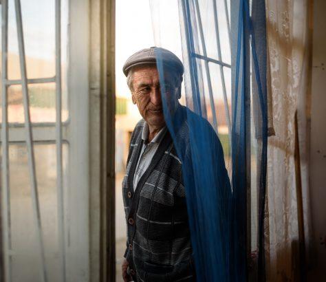 Ahmedjan est le propriétaire d'un petit restaurant à Kyzyl Suu (Kirghizistan) et a fait du Hochan sa spécialité.