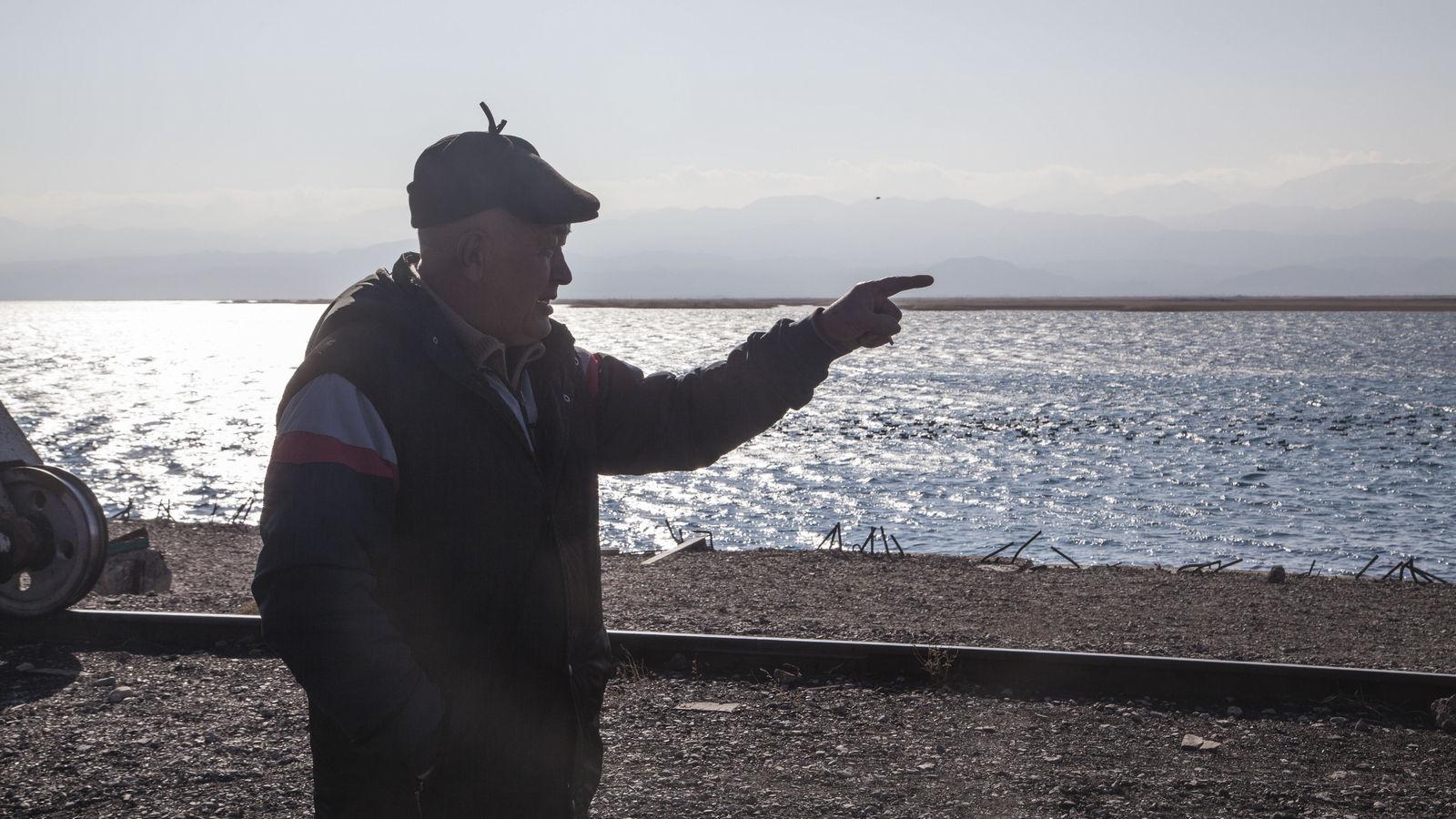Zaïrbek Kydyrchaïe Issyk-Koul Compagnie de navigation Fret Kirghizstan Lac Faillite Grue