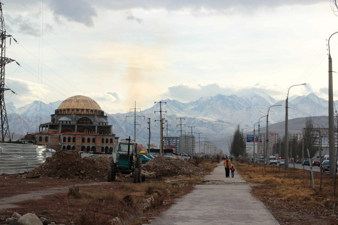 Depuis la fin de l'Union Soviétique et la liberté religieuse qui s'en est suivie, de plus en plus de mosquées sont construites au Kirghizstan.