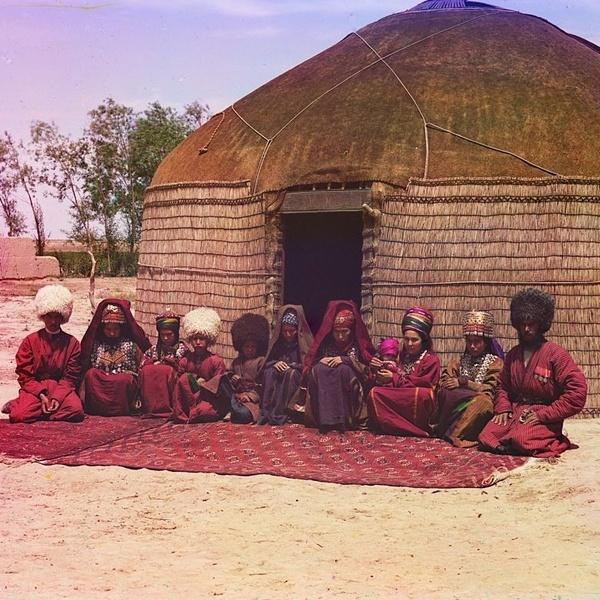 Asie centrale XXème siècle 1910 Voyage Sergueï Prokoudine-Gorski Empire russe Photographie Nomades Yourte