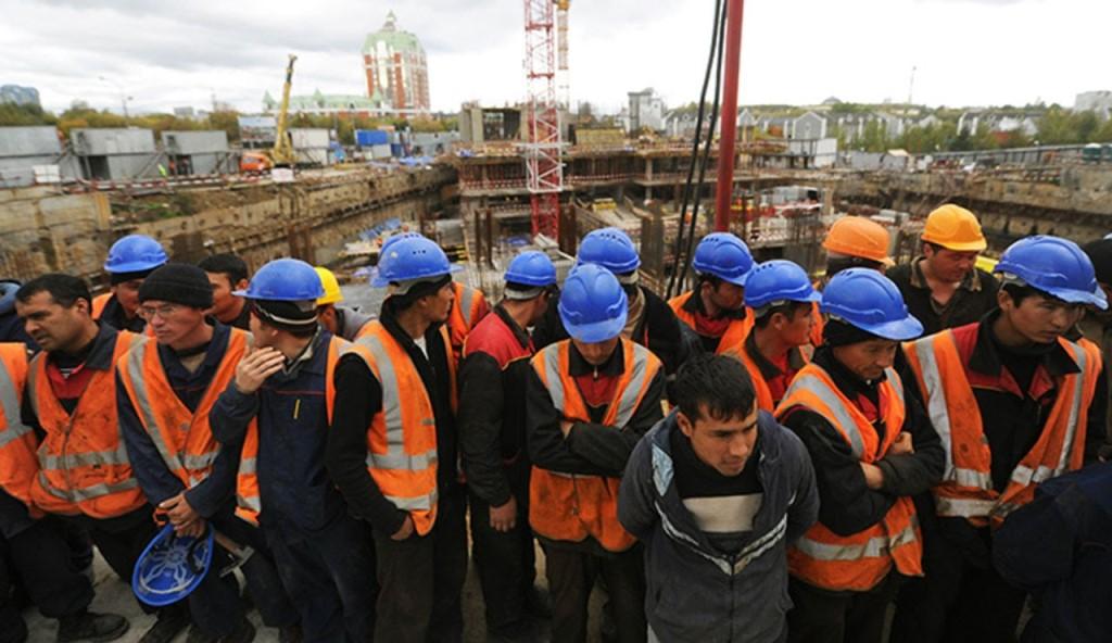 Des travailleurs migrants tadjiks en Russie.