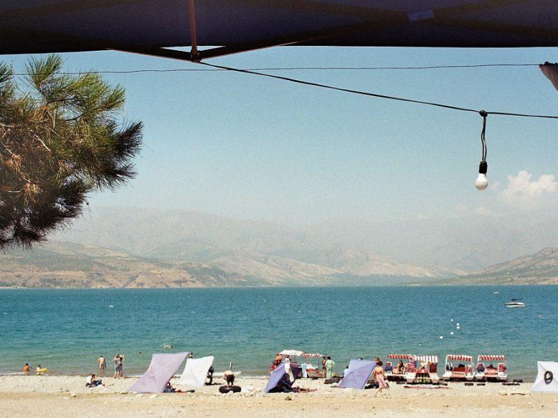 Tcharvak Lac Ouzbékistan Ete Détente