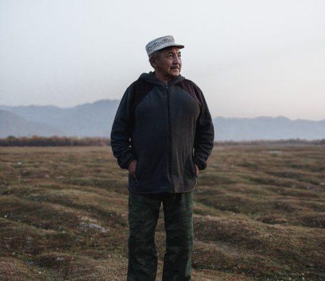 Vieil Homme Campagne Kirghizistan kotchkor