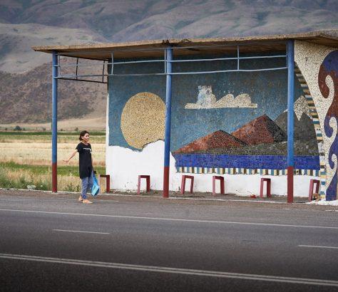 Arrêt de bus Kirghizstan Architecture Union soviêtique
