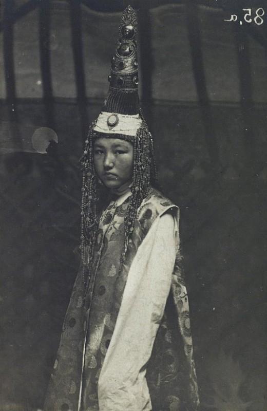 saukele Portrait Femme Kazakhs Kazakhstan XIXème XXème siècle 19ème 20ème Photographies Histoire Société