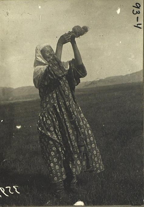 Kazakhs Semipalatinsk Femme Portrait Kazakhstan XIXème XXème siècle 19ème 20ème Photographies Histoire Société