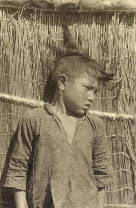 Kazakhs Coiffure Fille Kazakhstan XIXème XXème siècle 19ème 20ème Photographies Histoire Société
