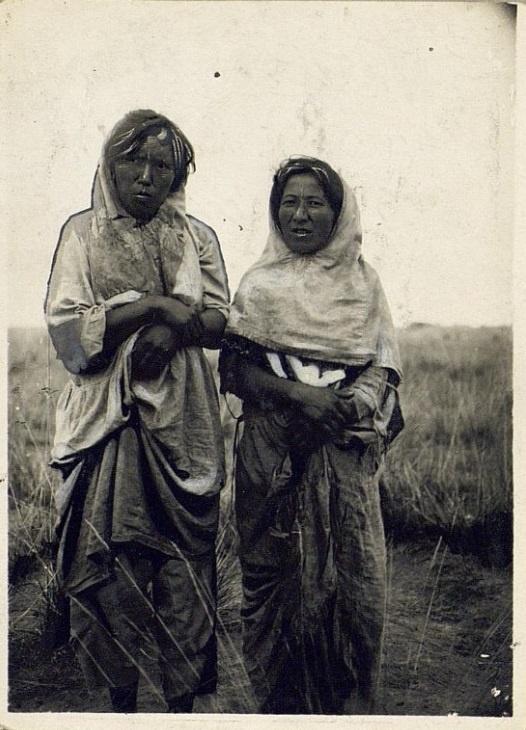 Kazakhs Semipalatinsk Femmes Pauvres Portrait Kazakhstan XIXème XXème siècle 19ème 20ème Photographies Histoire Société