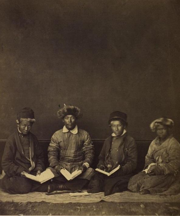 Etudiants Semipalatinsk Kazakhs Kazakhstan XIXème XXème siècle 19ème 20ème Photographies Histoire Société