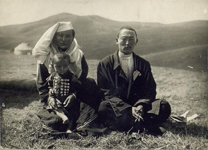 Kazakhs Semipalatinsk Homme Femme Portrait Kazakhstan XIXème XXème siècle 19ème 20ème Photographies Histoire Société