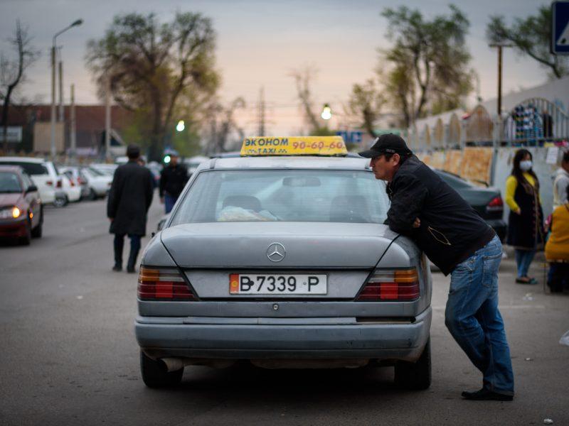 taxi Marché Bichkek Kirghizstan Antoine Béguier Photo du Jour