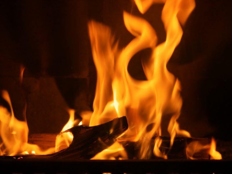 Ouzbékistan immolation feu