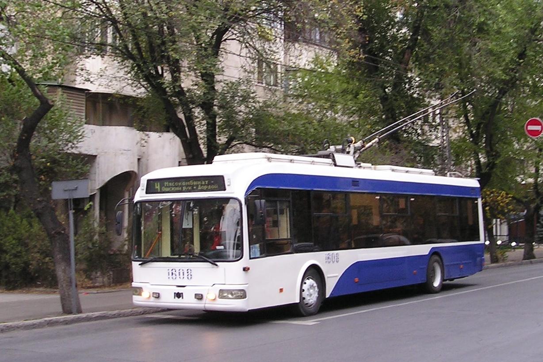Trolleybus 1808 Bichkek Kirghizstan Capitale Ville