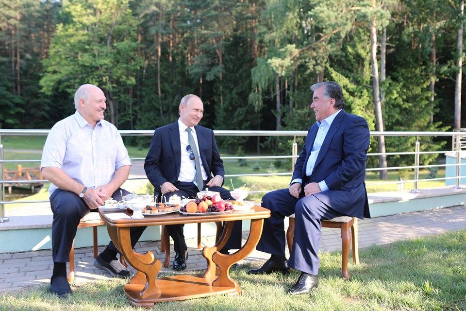 Alexandre Loukachenko Vladimir Poutine Emomalii Rahmon Rencontre Biélorussie