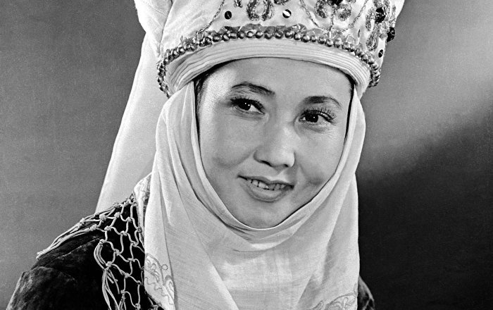 Boubousara Beïchenalieva Rues Bichkek Kirghizstan Femmes Nom