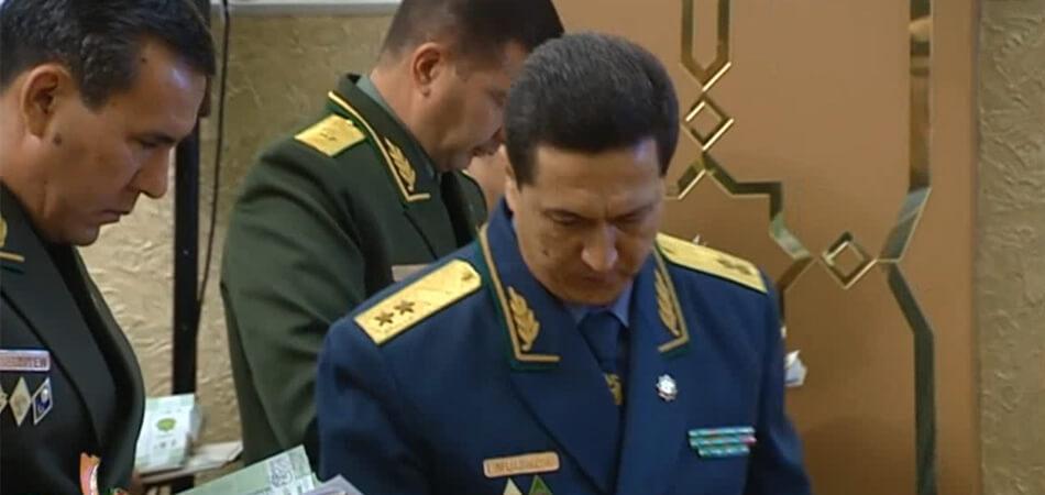 Isgender Moulikov ministère de l'intérieur Turkménistan Démission Politique