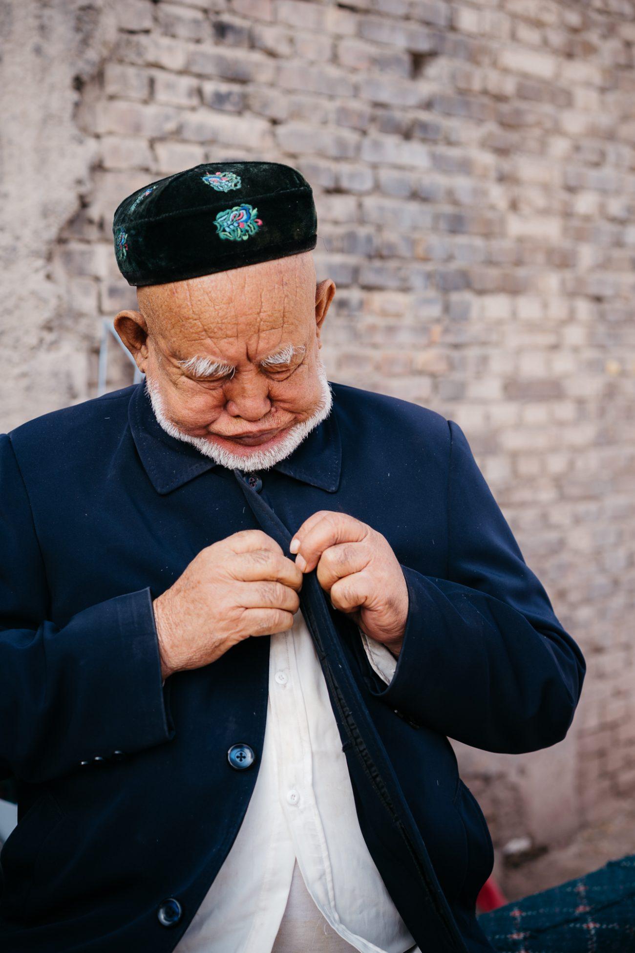 Kachgar région ouïghoure xinjiang vieil homme chapeau
