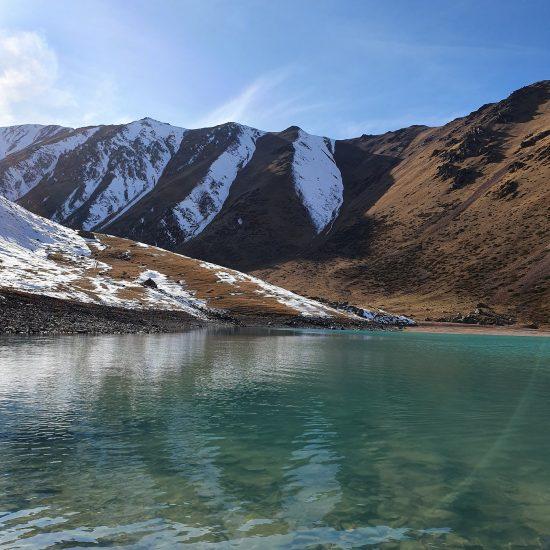 Lac Kol Tor Kirghizstan Montagne