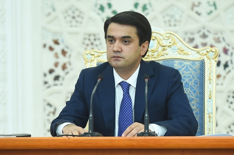 Rustam Emomali Sénateur