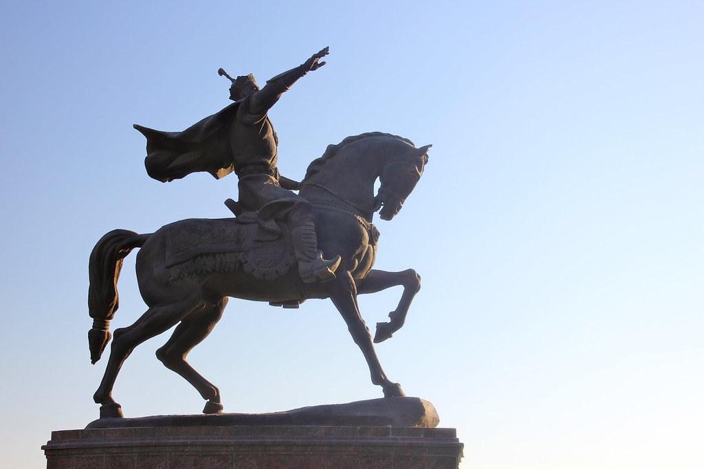 Statue de Tamerlan à Tachkent en Ouzbékistan