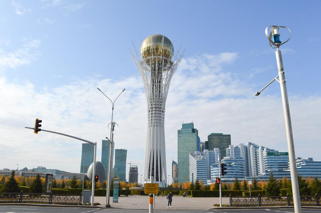 Kazakhstan Nur-sultan Bayterek Asie centrale Russie Etats-Unis Chine Géopolitique Diplomatique Sanat Kouchkoumbaïev Interview
