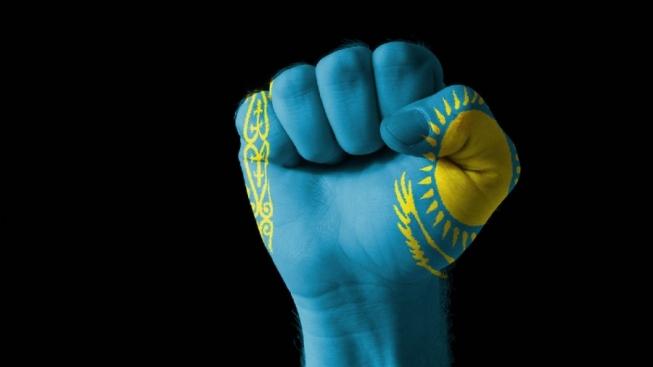 Nationalisme Dounganes Kazakhs Poignée serrée Kazakhstan drapeau