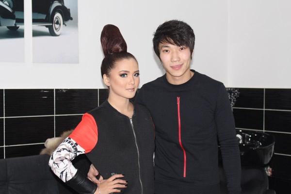 "Le duo de pop kirghize ""Non-Stop"""