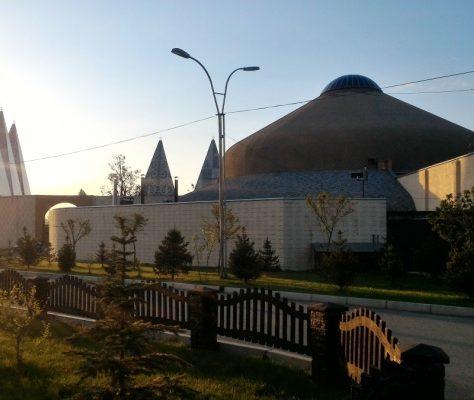 Dasmia Kirghizstan architecture
