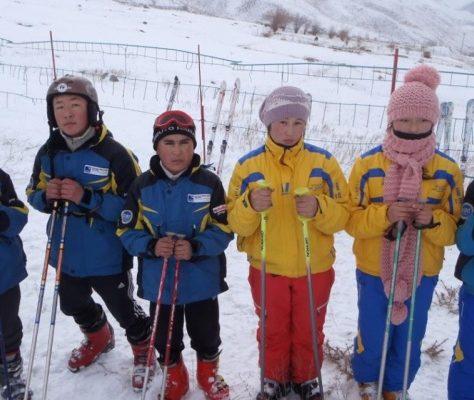 Les jeunes skieurs du Kirghizstan Crédit : Association Boule de Neige