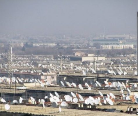 Les paraboles dans la capitale du Turkménistan