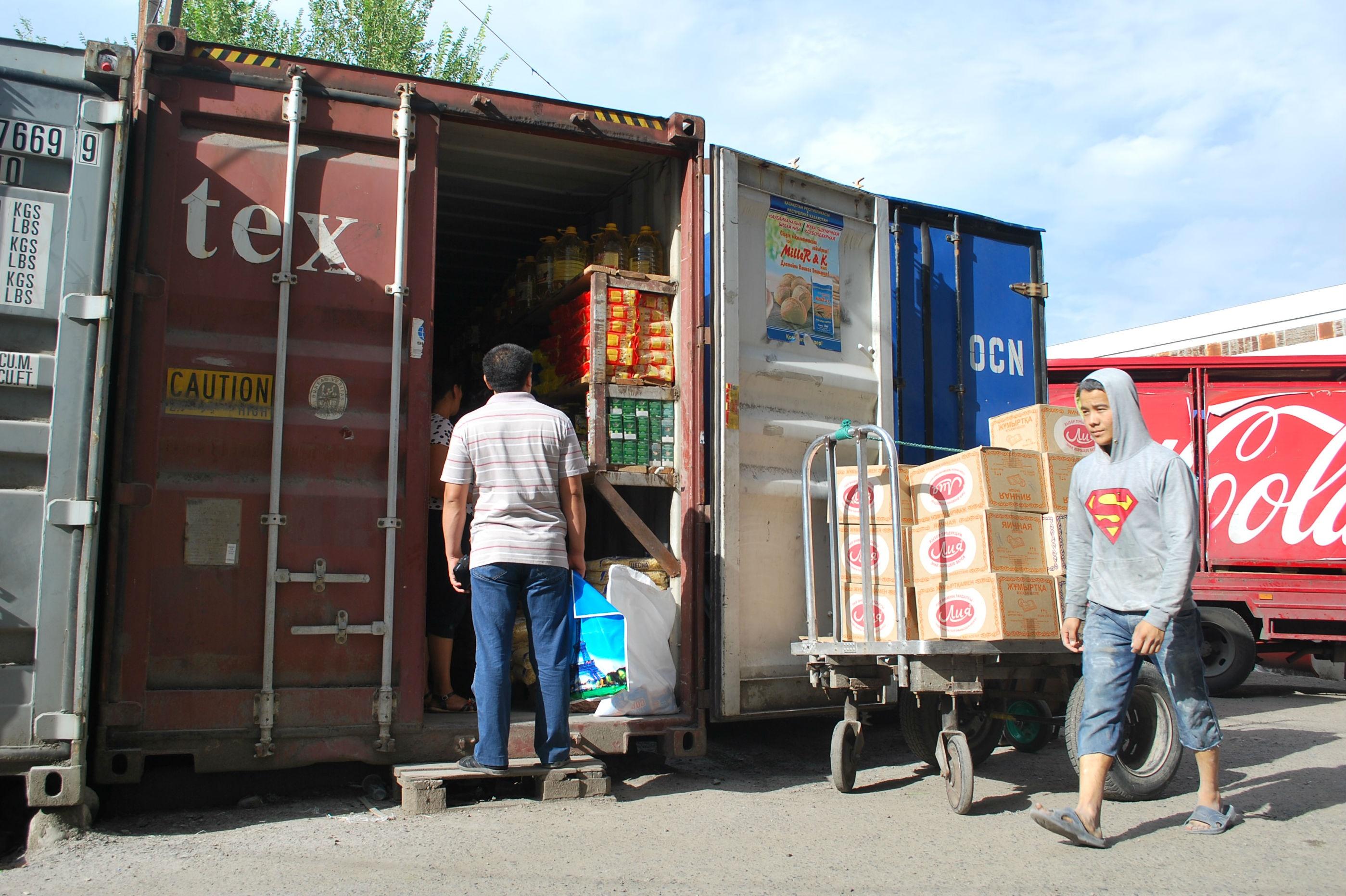 Un container alimentaire à Almaty